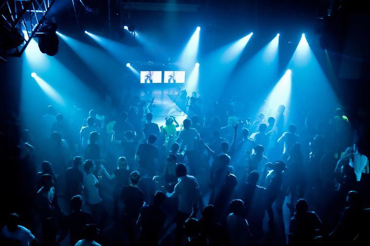 حفلات, ترفيه, شاطىء, باراستي, دبي, عروض, فنادق